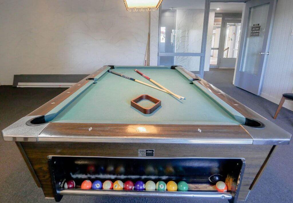 amenities billiards 1024x711 - Amenities